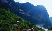 Bản Thái đen biệt lập trong rừng trúc ở Thanh Hóa
