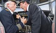 Những hành động gây bức xúc của phi hành đoàn trên máy bay