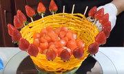 Tạo giỏ hoa quả đẹp mắt khiến khách 'không nỡ ăn'