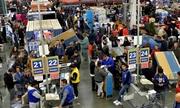 Người Mỹ giành giật hàng giảm giá Black Friday