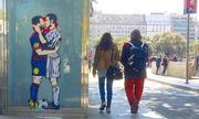 Messi, Ronaldo 'hôn nhau' trước thềm El Clasico