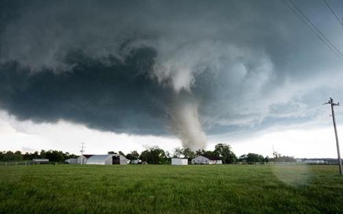 tornado rips through a residential area in Wynnewood, OklahomaCREDIT:AFP