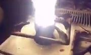 Dân Syria rán trứng bằng bom phốt pho