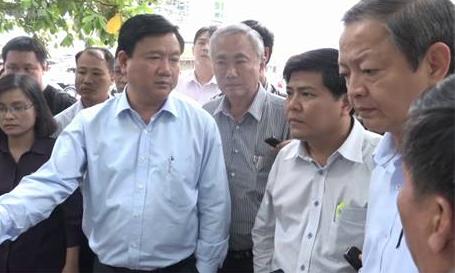 ong-thang-hoi-giam-doc-xn-vot-rac-co-dang-nhan-luong-8-trieu-nong-tren-mang-xh