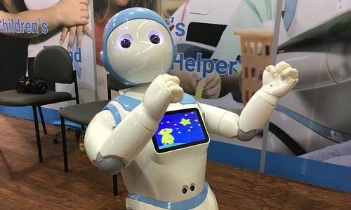 robot-cham-soc-tre-em-cua-trung-quoc-gay-lo-ngai