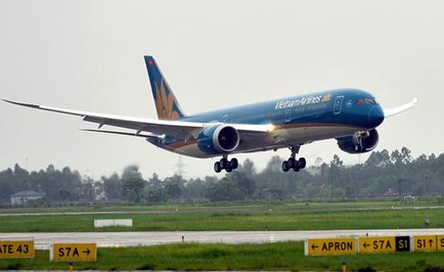 va-phai-chim-may-bay-boeing-cua-vietnam-airlines-hong-dong-co