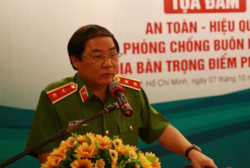 lanh-dao-bo-cong-an-nhieu-nhom-buon-lau-chong-tra-cuop-lai-hang