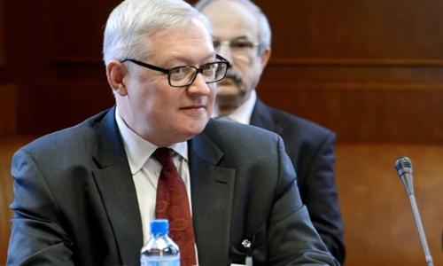 Thứ trưởng Ngoại giao Nga Sergei Ryabkov trong phiên họp kín hai ngày về hạt nhân tại trụ sở Liên Hợp Quốc ở Geneva, Thụy Sĩ hôm 15/10/2013. Ảnh: Reuters.