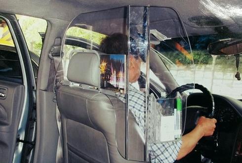 y-kien-trai-chieu-viec-lap-vach-ngan-tren-taxi-1