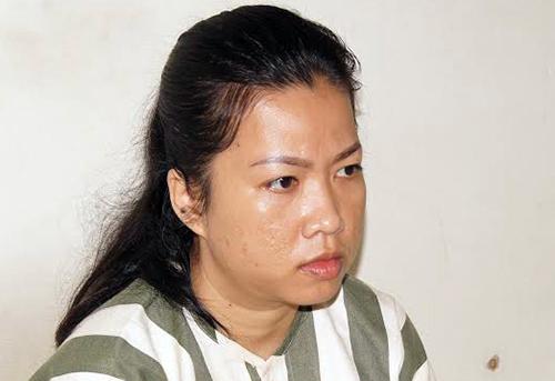 Nữ quái trộm ví của khách trong siêu thị bị bắt. Ảnh: Nguyệt Triều
