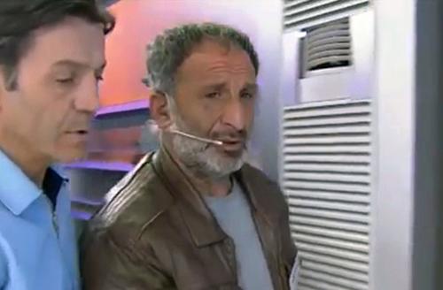 Himmet Akturk bị bắt giữ ngay tại chương trình khi thú nhận hành vi giết người của mình. Ảnh: The Sun
