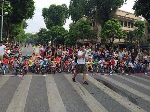 Cuộc thi đua xe đạp giải mẫu giáo mở rộng.