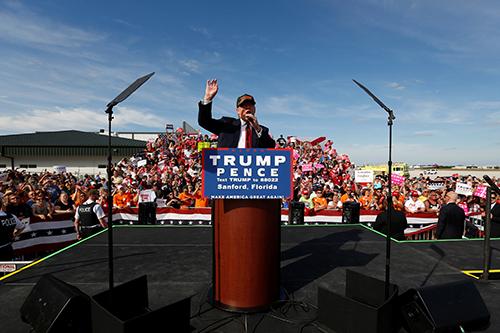 [Caption]Republican U.S. presidential nomineeDonaldTrumprallies withsupportersat the Million Air Orlando airplane hangar in Sanford, Florida, U.S. October 25, 2016. REUTERS/Jonathan Ernst