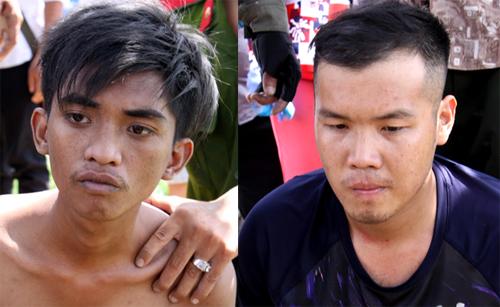 Hai tên cướp bị bắt giữ sau khi tháo chạy 15 km. Ảnh: Hoàng Nam