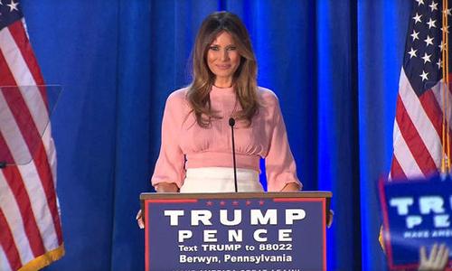 Bà Melania phát biểu tạingoại ô thành phốPhiladelphia hôm qua. Ảnh: CBS