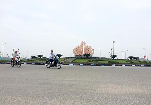 thi-the-nguoi-dan-ong-trong-dai-phun-nuoc