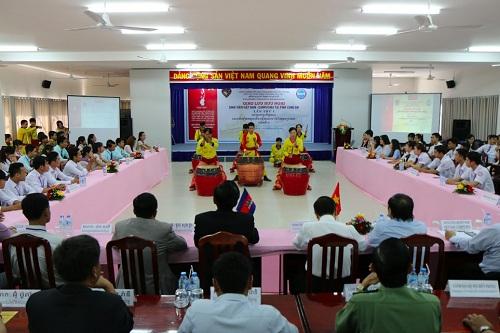 Văn nghệ giao lưu hữu nghị giữa sinh viên Campuchia - Việt Nam.