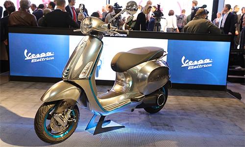 elettrica-2017-scooter-dien-dau-tien-cua-vespa-2