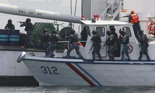Hải quân Philippines trong một cuộc tuần tra chống hải tặc. Ảnh: vesselfinder.com