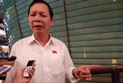 nhieu-dai-bieu-chua-hai-longphan-tra-loi-chat-van-bo-truong-cong-thuong-2
