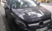 Mercedes bị vặt trộm gương, logo khi chủ vào khách sạn