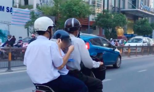 video-tai-xe-han-quoc-chay-tron-bi-canh-sat-dap-vo-kinh-xe-hot-tren-mang-xh-2