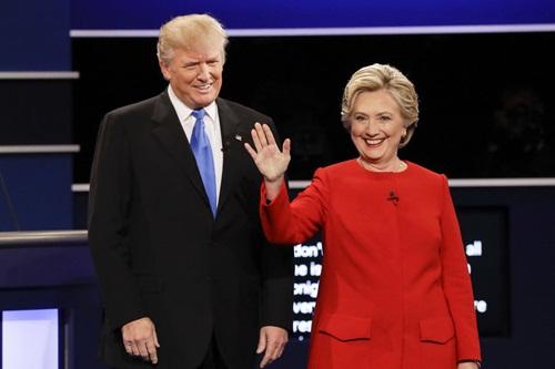 Donald Trump và bà Hillary Clinton trong cuộc tranh luận tổng thống. Ảnh: Reuters