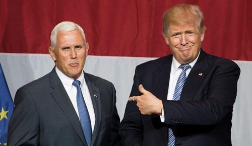 Ông Mike Pence, phó tổng thống Mỹ đắc cử, và Donald Trump, Tổng thống Mỹ đắc cử. Ảnh: AFP