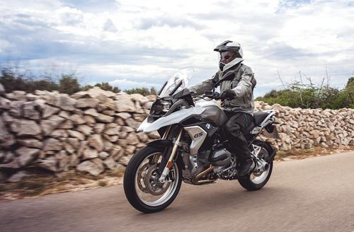 bo-doi-naked-bike-1200-phan-khoi-cho-biker-viet