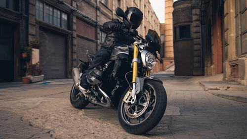 bo-doi-naked-bike-1200-phan-khoi-cho-biker-viet-1