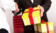 Cục chống tham nhũng đề nghị báo cáo việc nhận quà Tết trái quy định