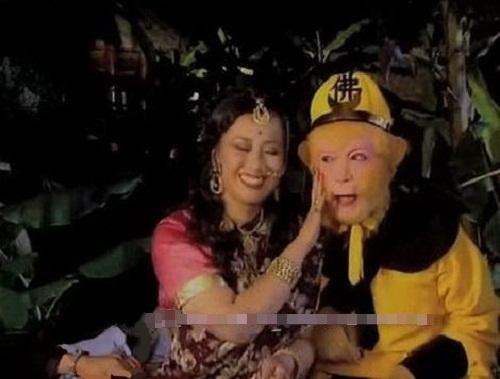 nhung-loi-hai-huoc-trong-phim-tay-du-ky-1986-2
