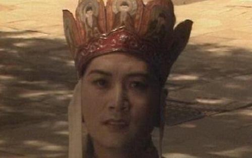 nhung-loi-hai-huoc-trong-phim-tay-du-ky-1986-3