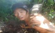 3 thanh niên đào hang bắt cá lóc trên cạn