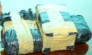 Đoàn xe chở ma túy bị phục kích, lộ 12 bánh heroin giấu dưới nắp capô
