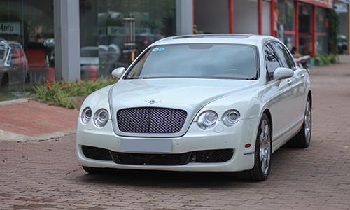 chi-tiet-bentley-flying-spur-2006-cu-gia-2-1-ty-dong-1