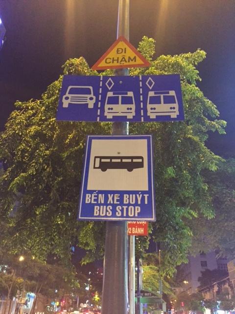 di-vao-lan-duong-danh-cho-xe-bus-bi-phat-the-nao