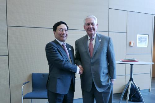 Phó Thủ tướng, Bộ trưởng Ngoại giao Phạm Bình Minh đã có cuộc gặp với Bộ trưởng Ngoại giao Hoa Kỳ Rex Tillerson. Ảnh: TTXVN