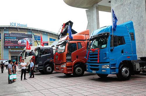vietnam-autoexpo-2017-dat-dien-cho-xe-tai-xe-buyt