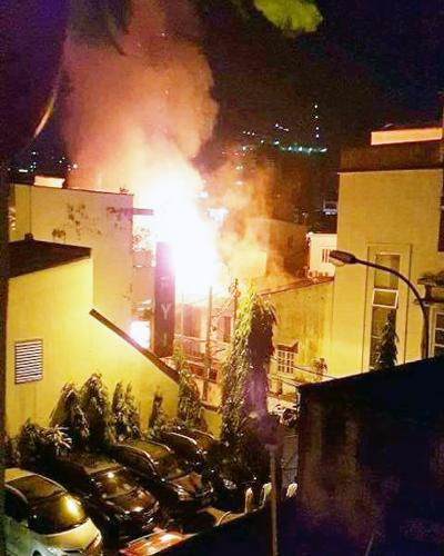 Nhà ở trung tâm Sài Gòn cháy ngùn ngụt sau tiếng nổ