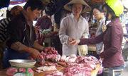 Thịt heo rớt giá thảm: Lỗi của người nông dân