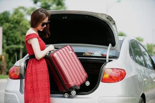 Mua 2 lốp Bridgestone Turanza GR100, khách hàng sẽ nhận ngay một vali du lịch cao cấp.