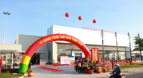 showroom-oto-lon-nhat-nam-mien-trung-di-vao-hoat-dong-1