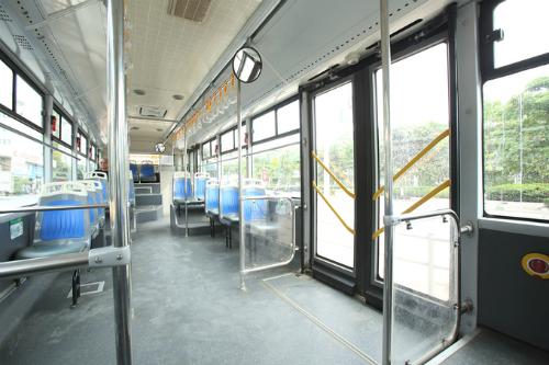 Hà Nội thí điểm cho buýt thường đi vào làn buýt nhanh trong 6 tháng