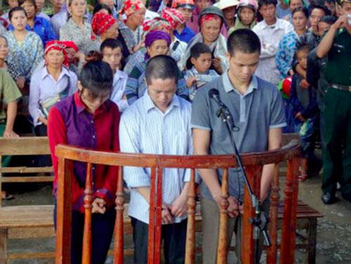 nguoi-dan-ba-ban-re-mang-song-cua-tinh-nhan-de-lay-long-chong