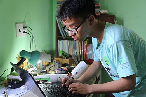 Kết quả hình ảnh cho Nam sinh Việt Nam bị từ chối cấp visa đã được cấp visa sang Mỹ sau cuộc phỏng vấn lần 3