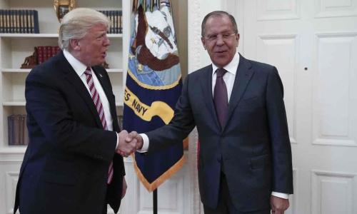 Tổng thống Mỹ Trump gặp Ngoại trưởng Nga Lavrov tại Nhà Trắng. Ảnh: Tass