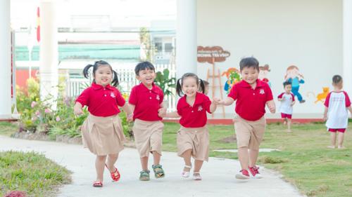 trai-nghiem-trai-he-vong-quanh-the-gioi-cung-ischool-1