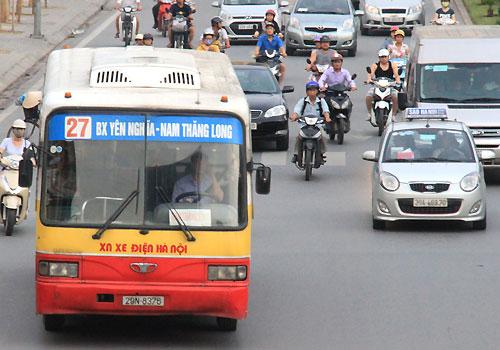 Đề xuất cho xe buýt dưới 17 chỗ hoạt động như taxi ở đô thị lớn