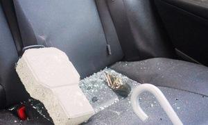 Hàng loạt ôtô bị đập phá kính chắn gió ở Đà Nẵng